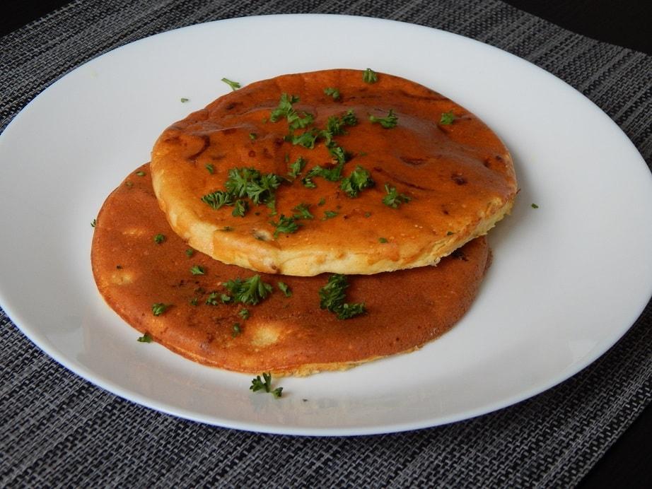 Omlet z boczkiem i twarogiem