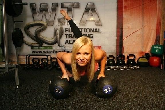 Najlepsze ćwiczenia na ramiona dla kobiet